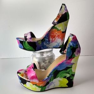 Bamboo heels wedge flower spring sz 8 strappy